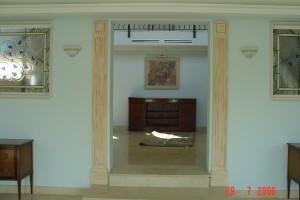 Decoracion en escayola a base de pilastras